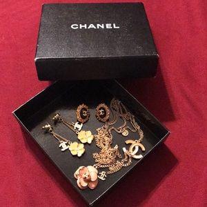 Used beautiful Chanel jewelry lot